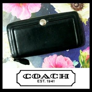 Coach Leather Black Large Zipper Wallet
